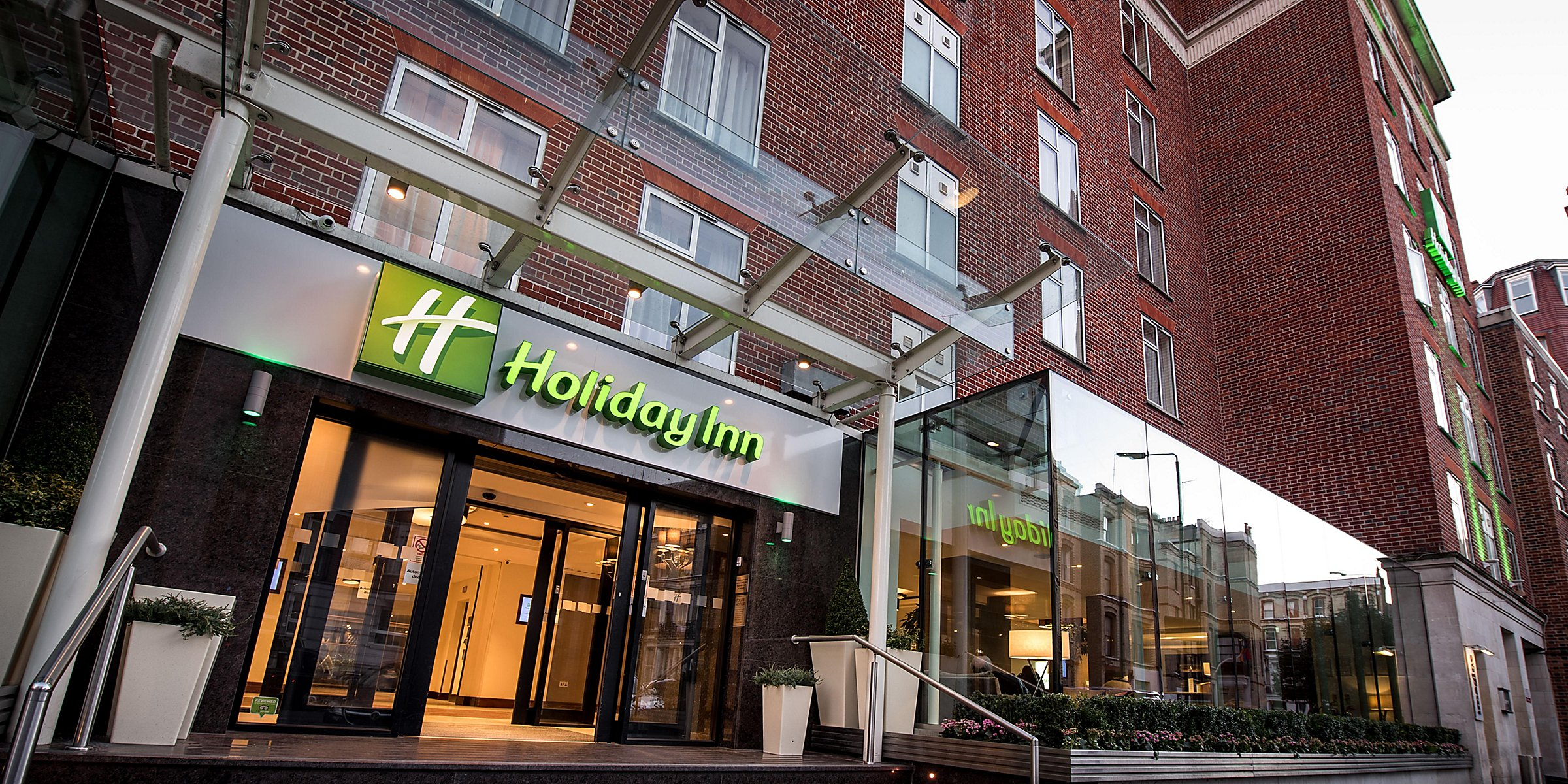 Hotel With Pool: Holiday Inn London - Kensington High St.