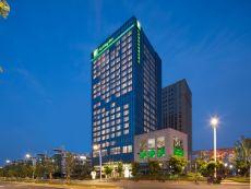 Holiday Inn 南京翠屏新港假日酒店