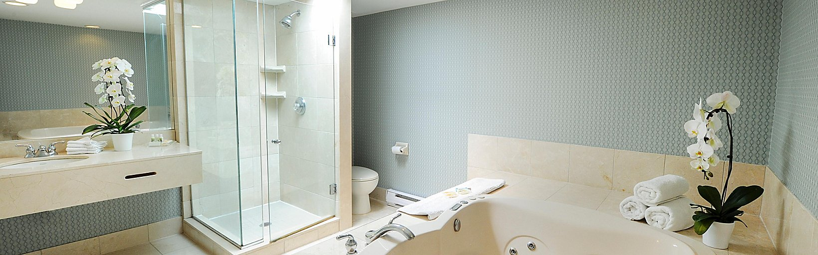Holiday Inn Niagara Falls By The Falls Room Pictures Amenities