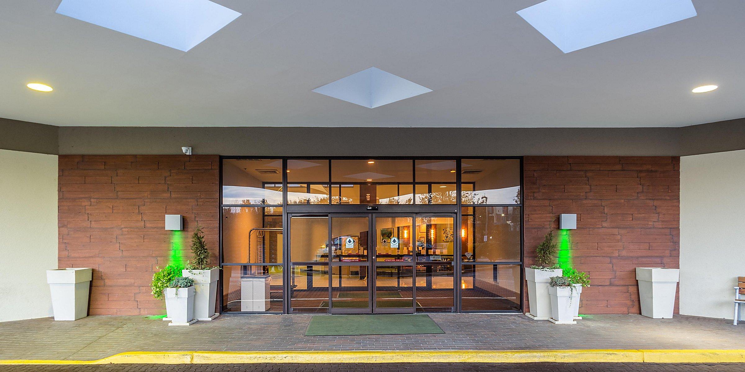 Pet Friendly Hotels In Swedesboro Nj Holiday Inn Philadelphia South Swedesboro