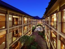 HUALUXE Hotels and Resorts Kunming
