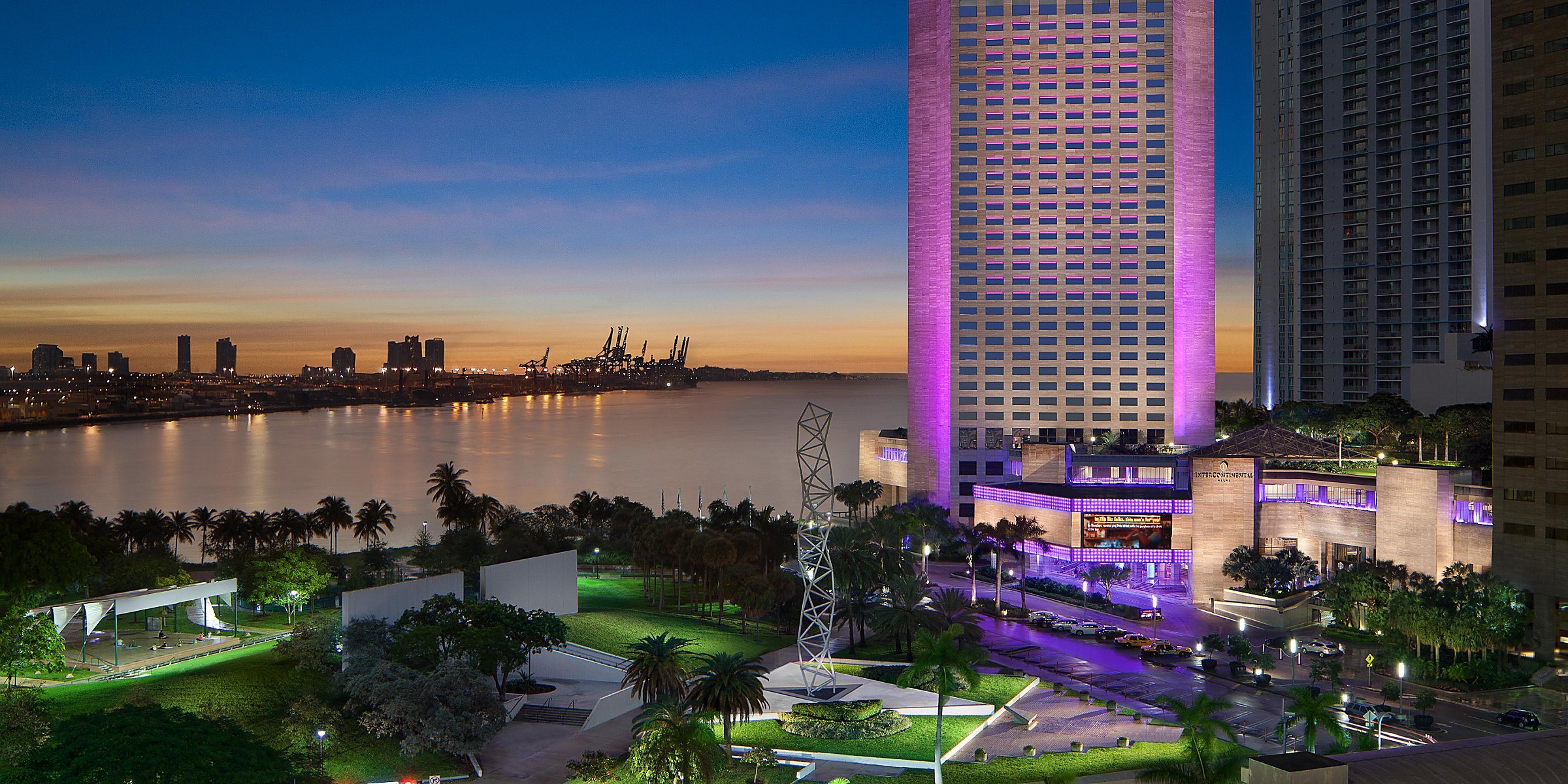 Downtown Miami Luxury Hotels on Biscayne Bay | InterContinental Miami