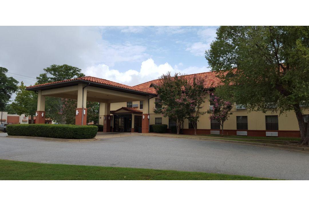 Hotel Exterior Gavin Hall