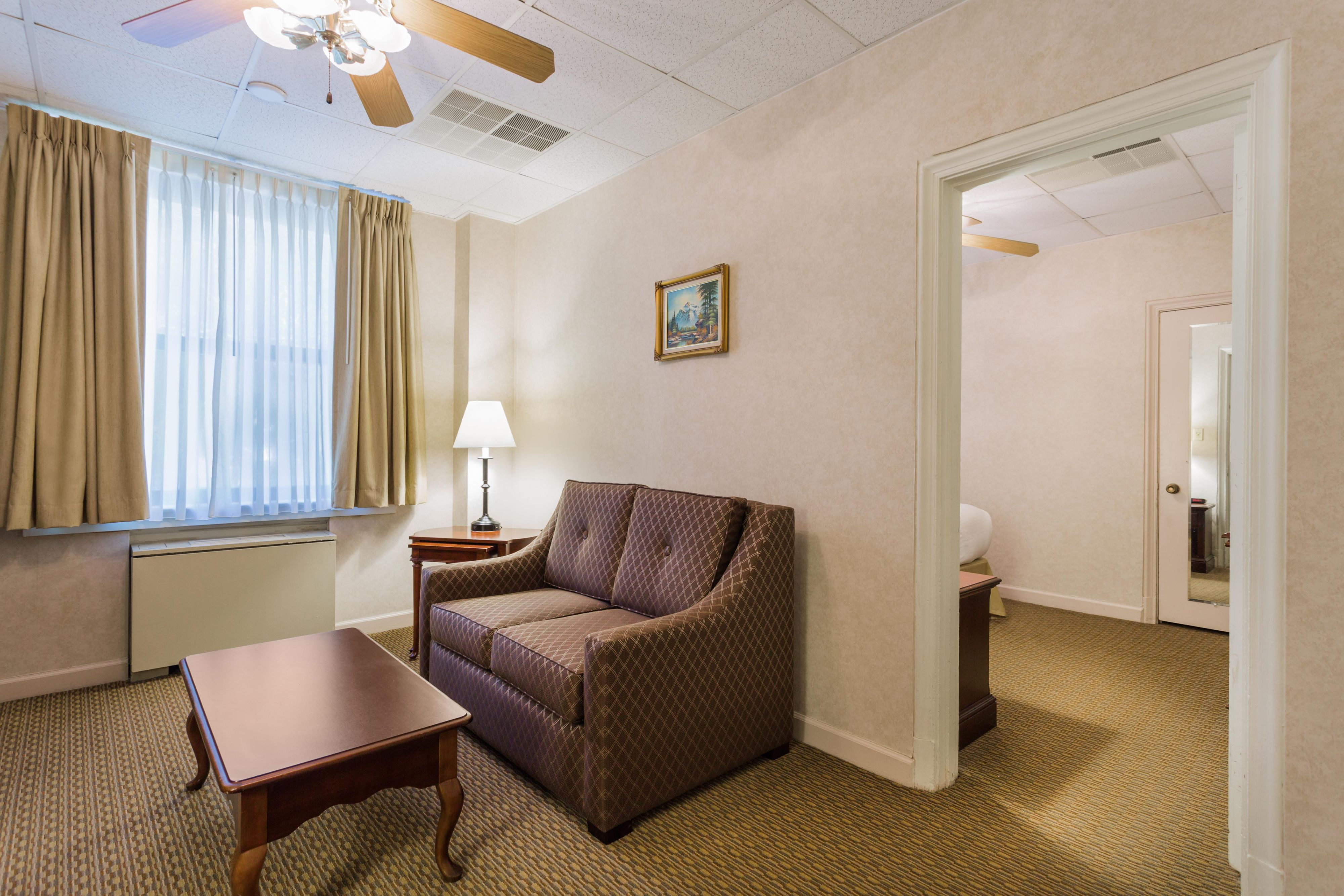 Ihg Army Hotels Normandy House Carolina Inn Hotel By Ihg