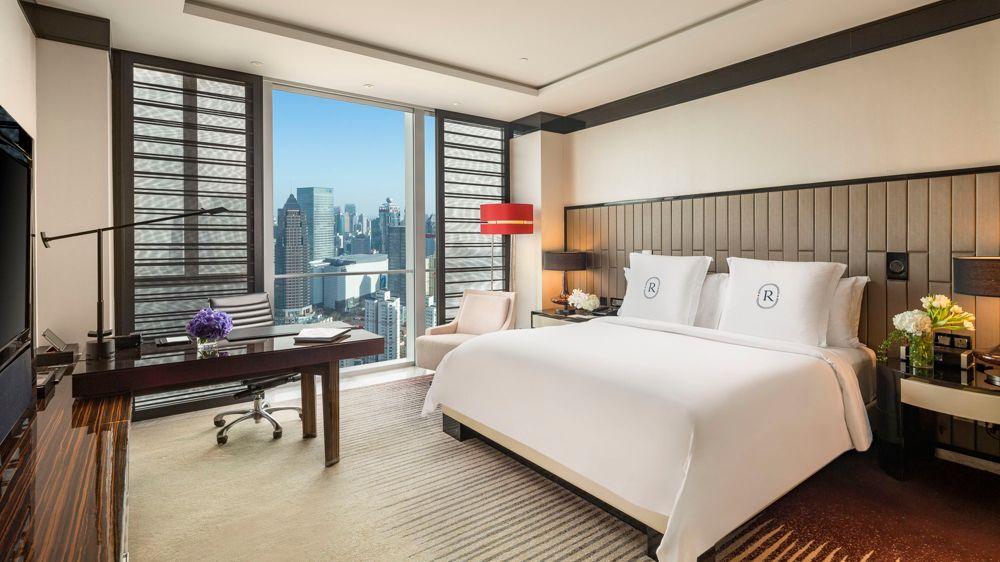 Regent Featured Room