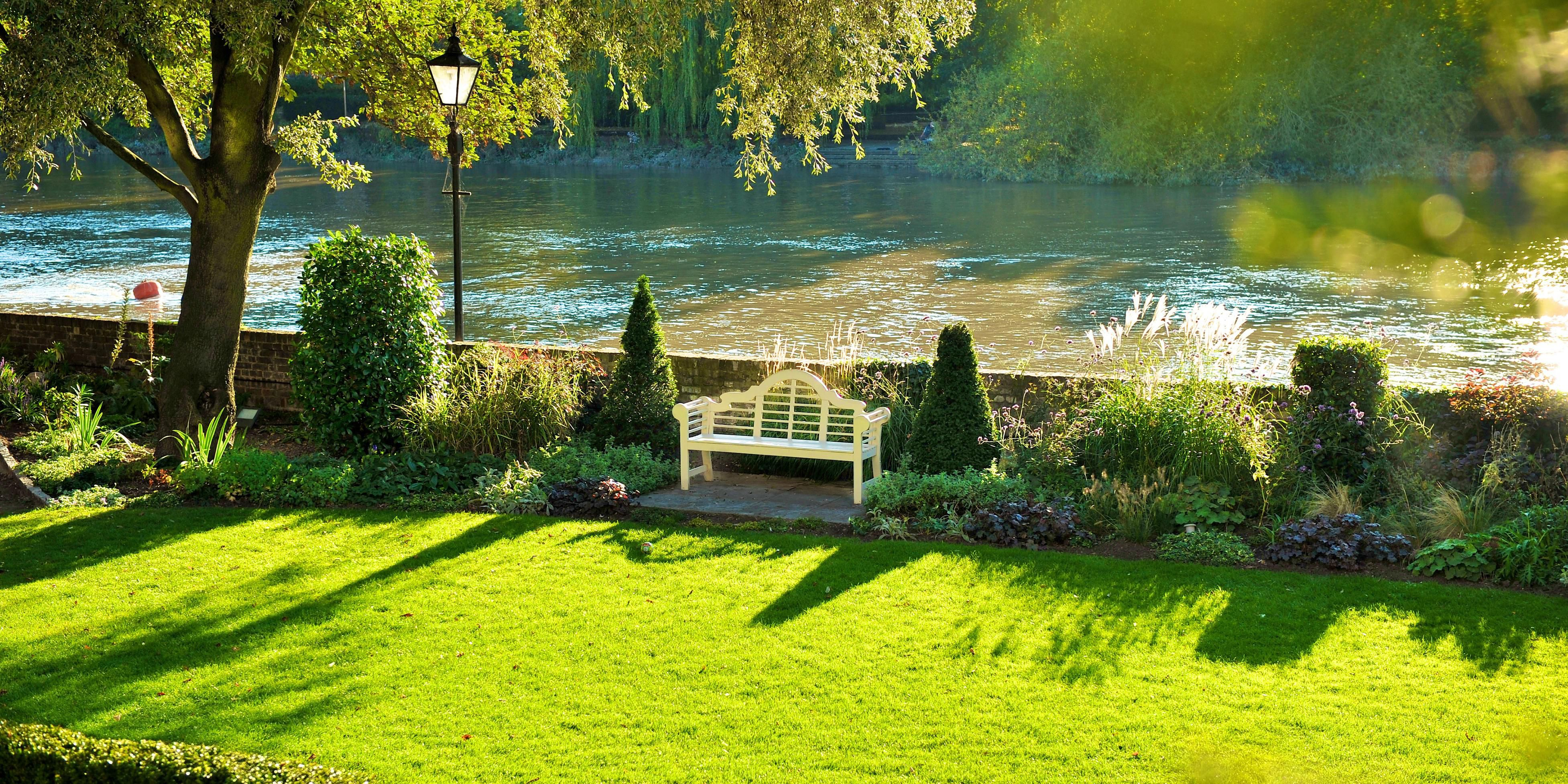 Gardens and view of the River Thames