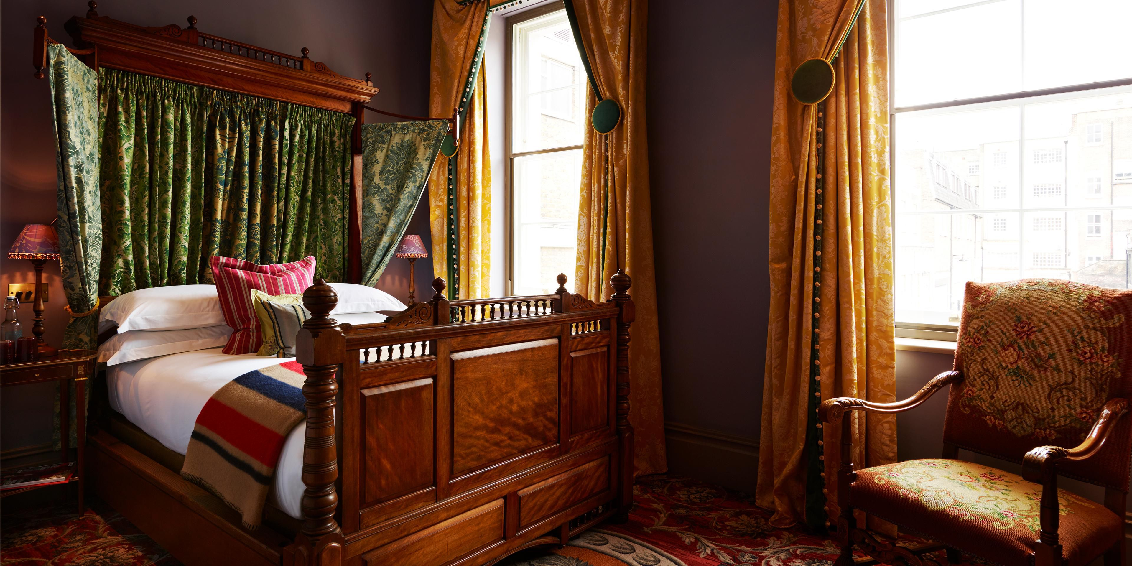 Superior Four Poster bedroom