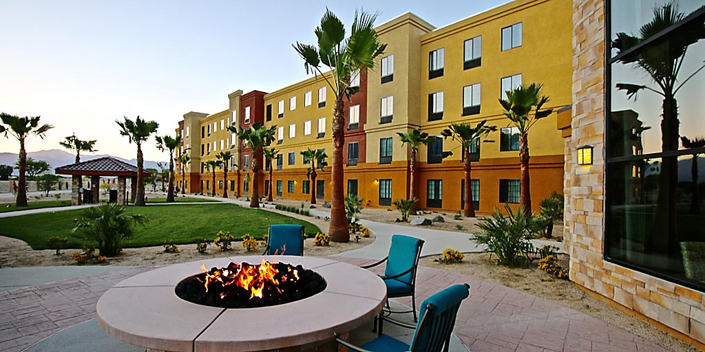 Firepit at Staybridge Suites Cathedral City