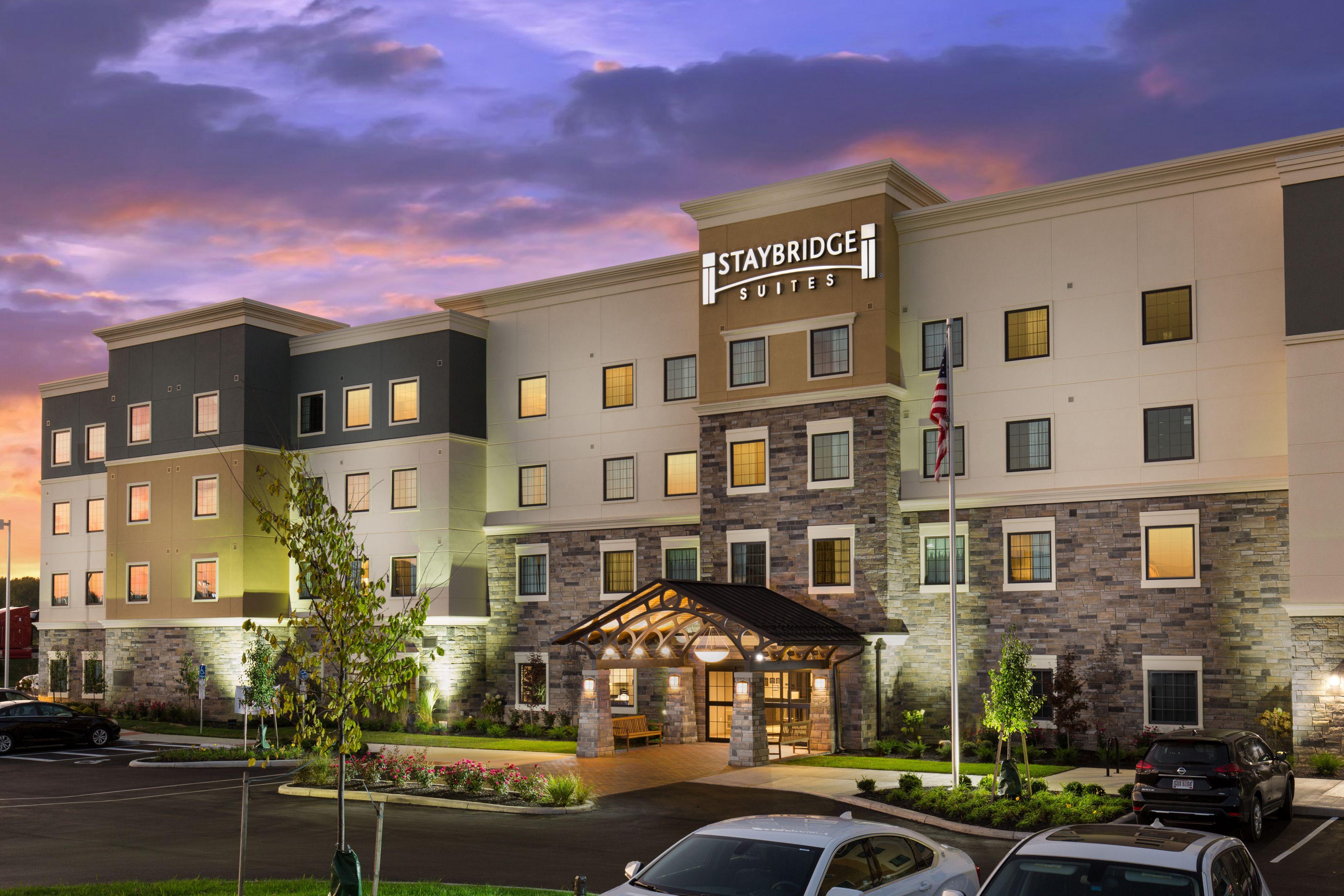 Pet Friendly Hotels Columbus Ohio Staybridge Suites Columbus Polaris