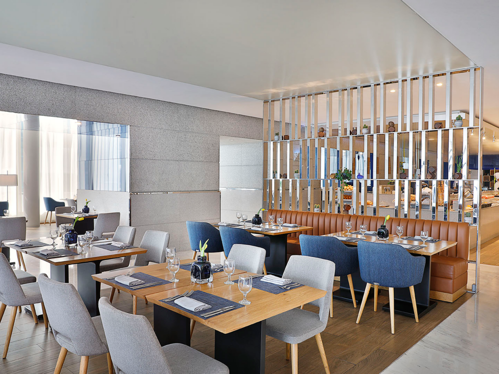 Kamis dari jam 7 malam sampai 11 malam, Seafood Kitchen by Celsius Restaurant. HANYA AED 220.