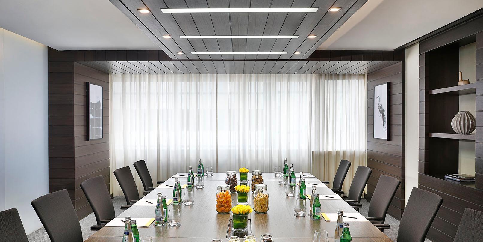 Daylight Meeting Plus, High Floor, voco Dubai, Sheikh Zayed Road