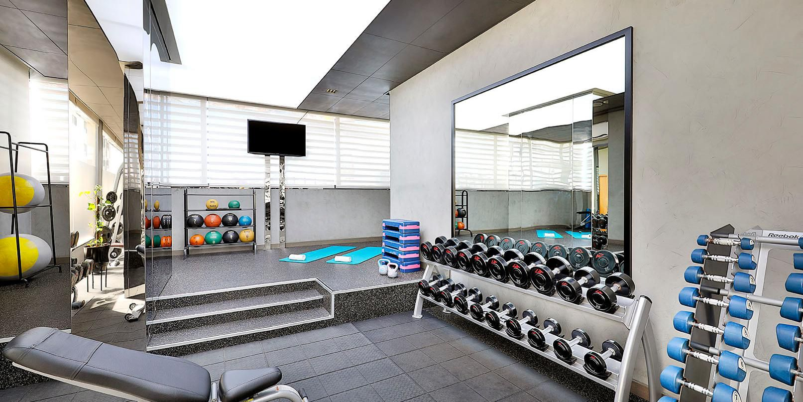 Fully equipped gym, voco Dubai, Sheikh Zayed Road, near DIFC
