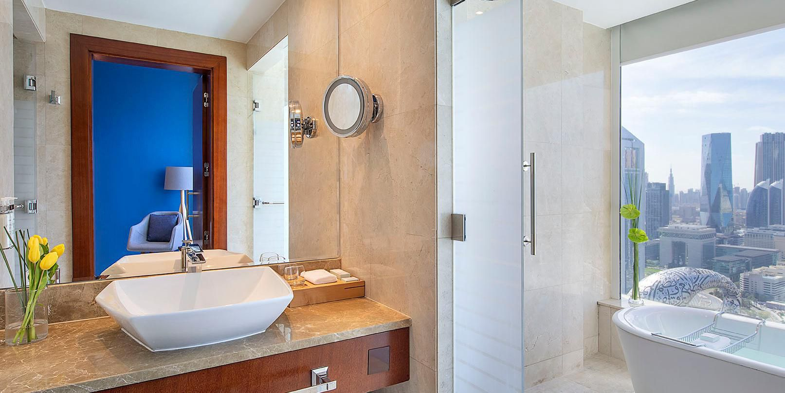 Superior Room bathroom with Sheikh Zayed Road view