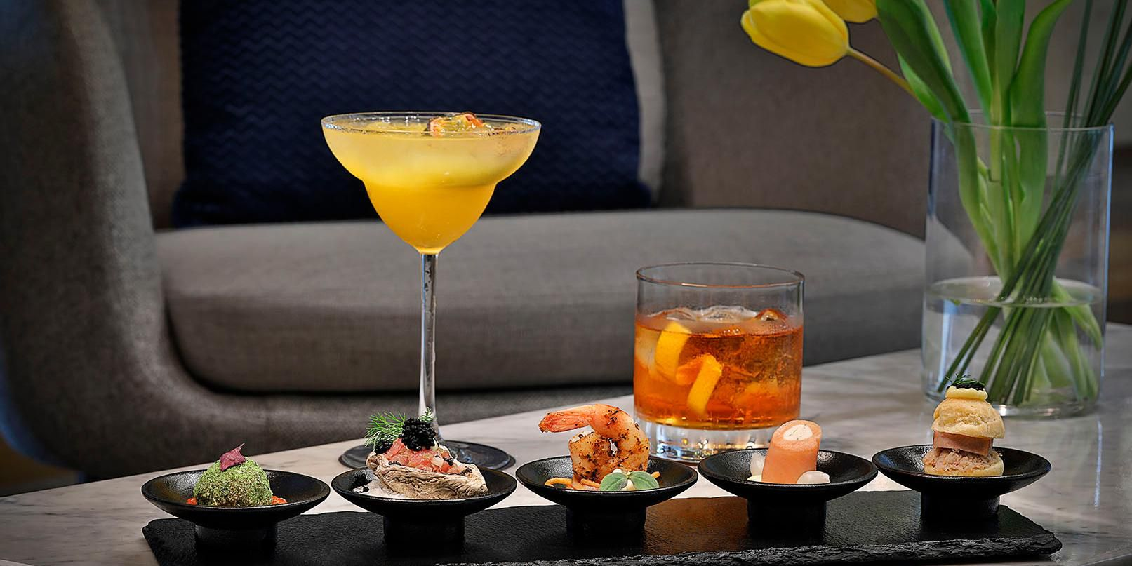 The Lounge, voco Dubai hotel lobby, breakfast, lunch and dinner