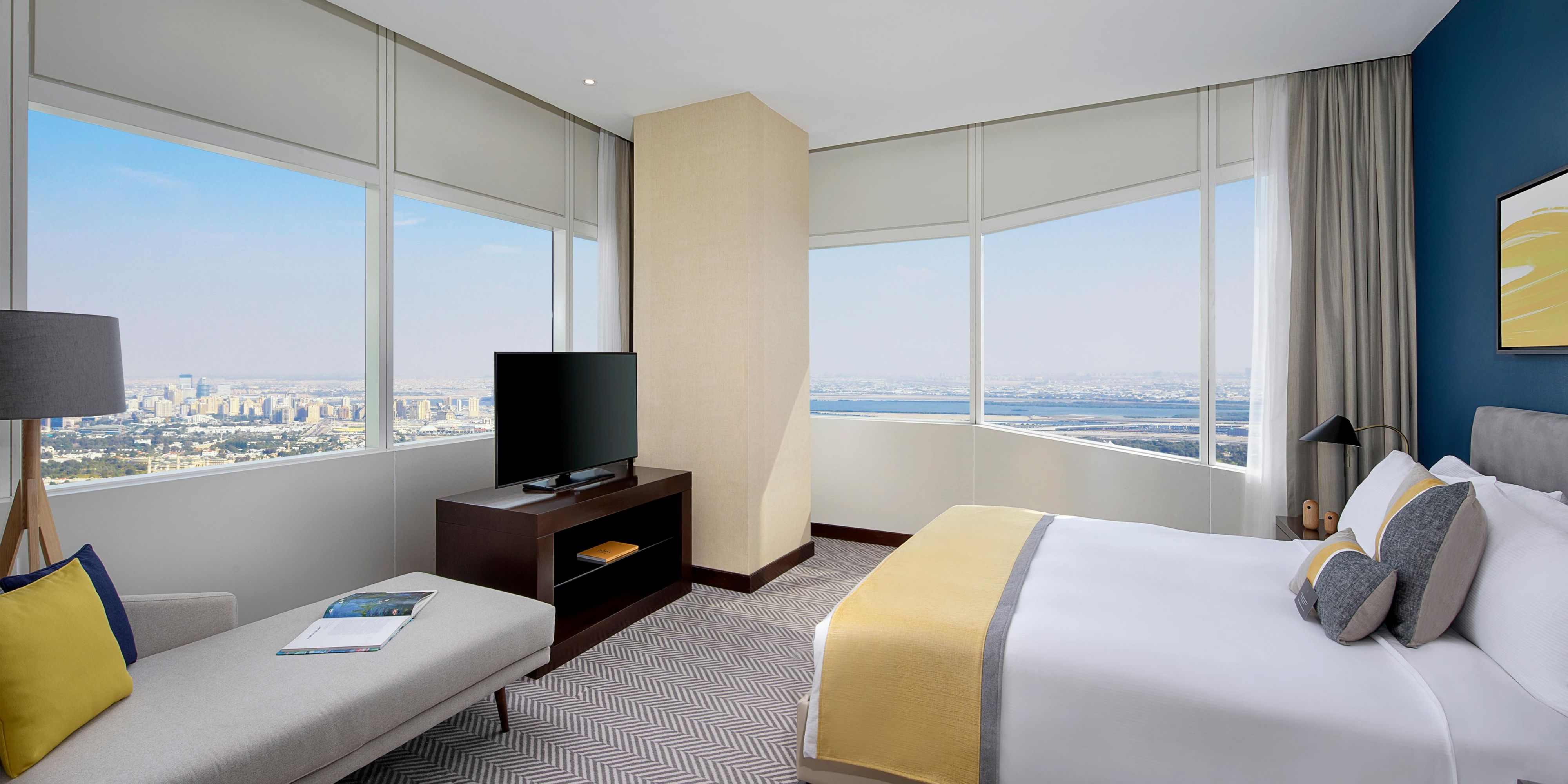 Executive Suite Scenic Bedroom, with views of Sheikh Zayed Road
