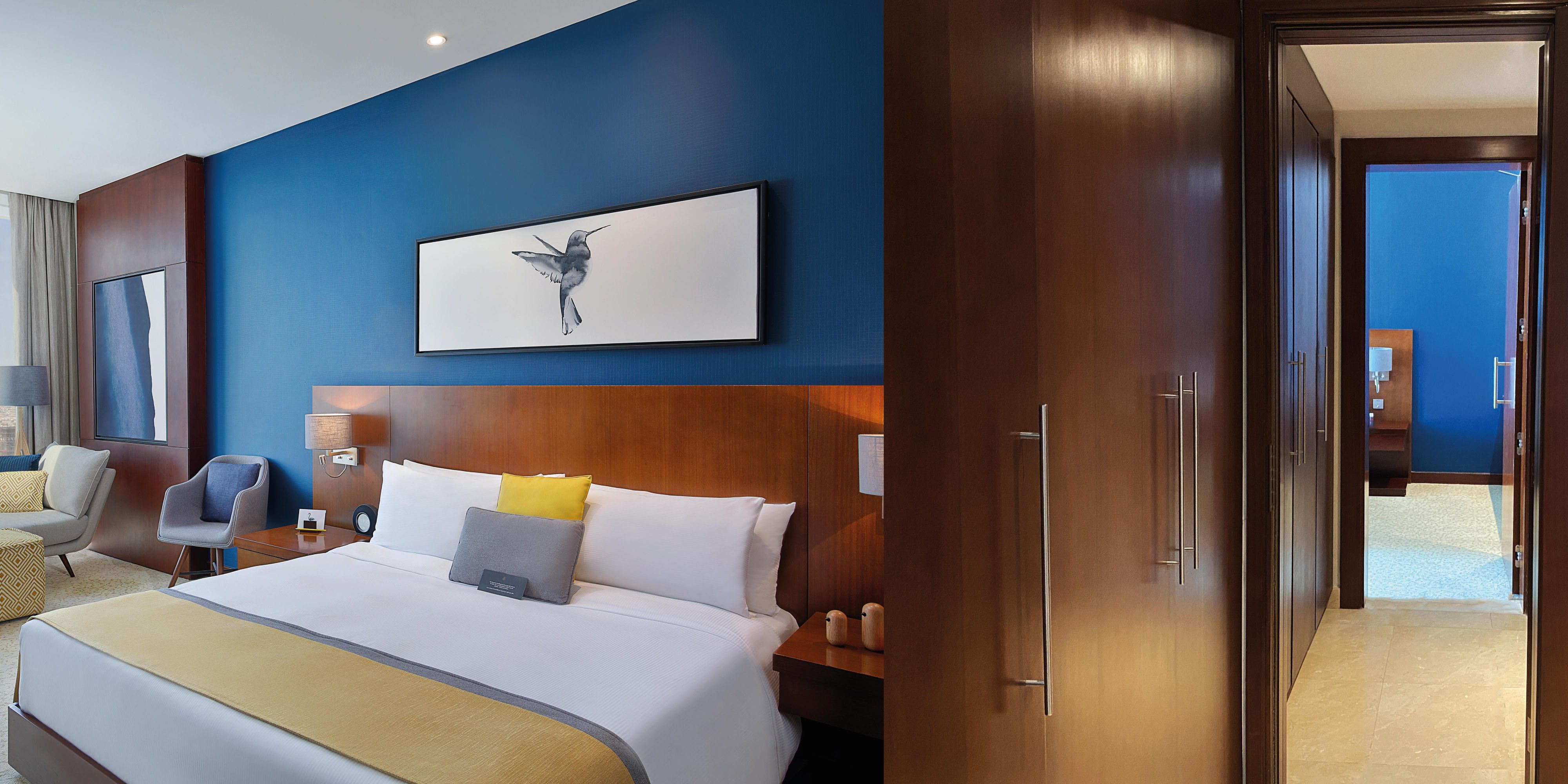 Family Adjoining Room King and Twin Beds