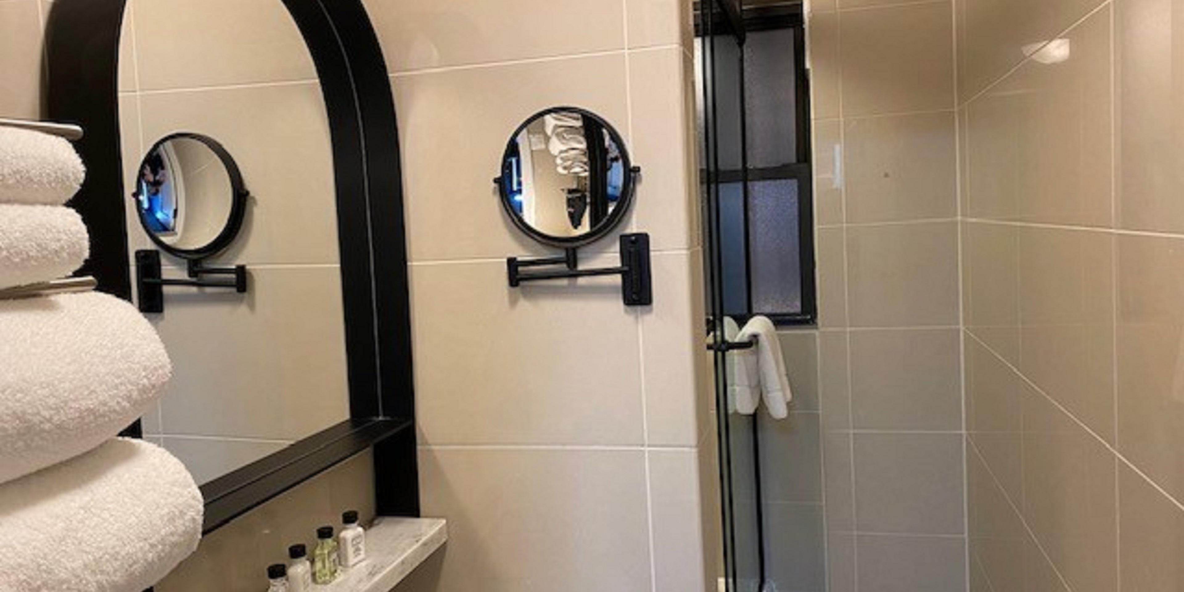 Corner Queen Bathroom