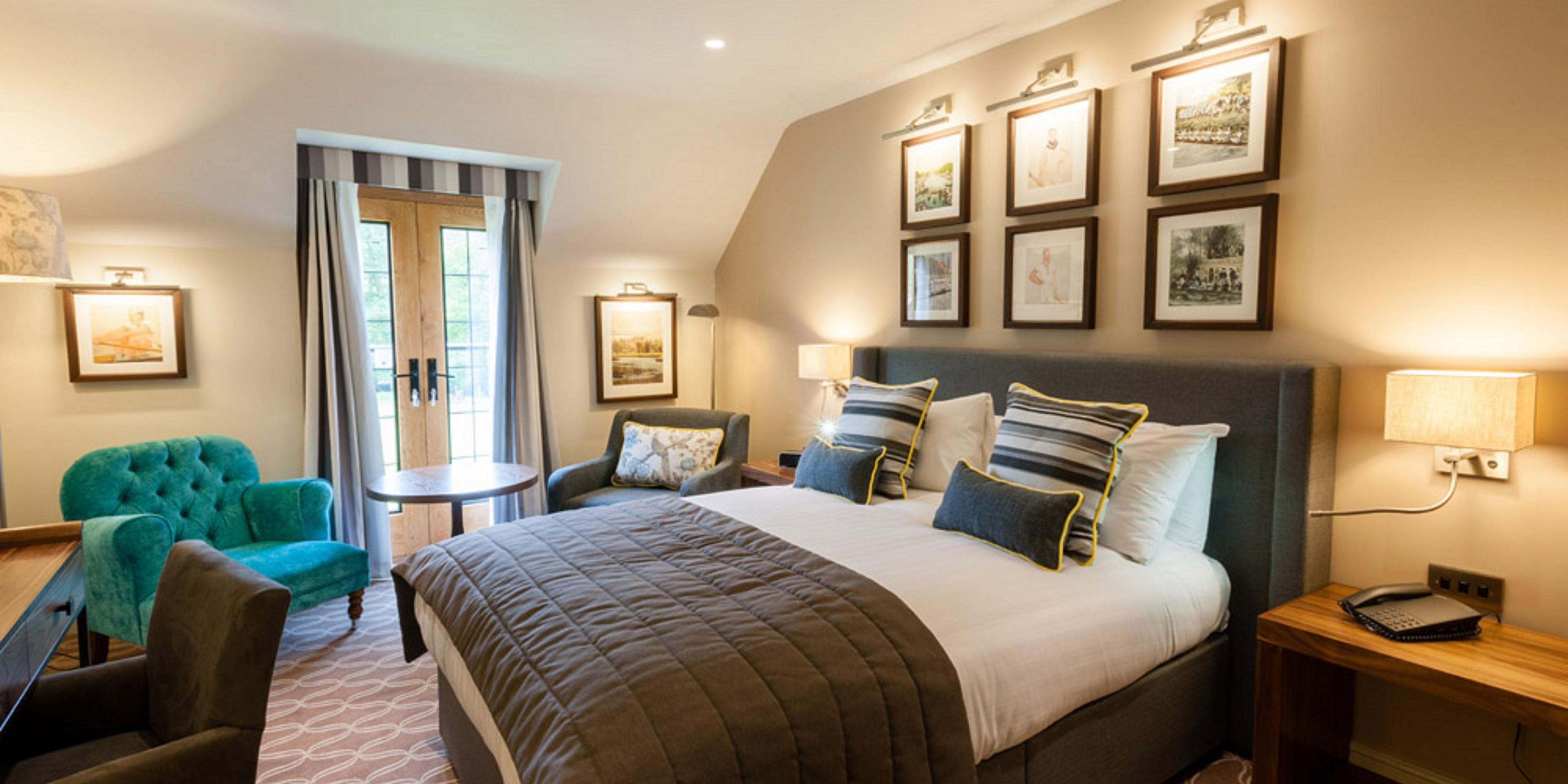 Space to relax, with balcony doors overlooking the River Thames