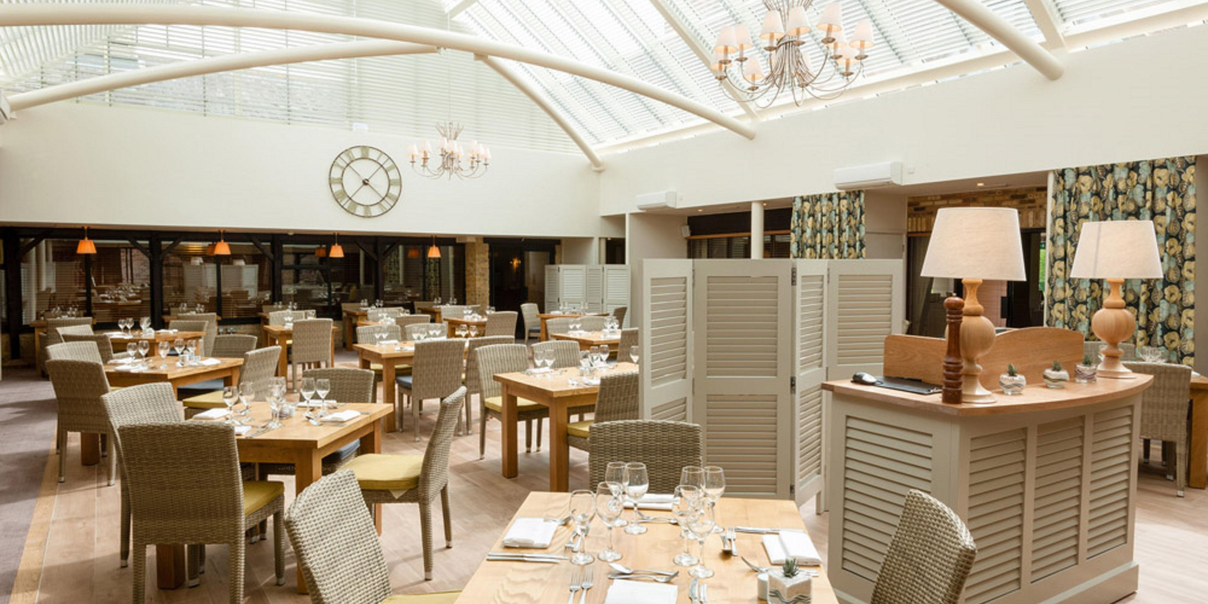 Bright, light, airy conservatory perfect for variety of dining