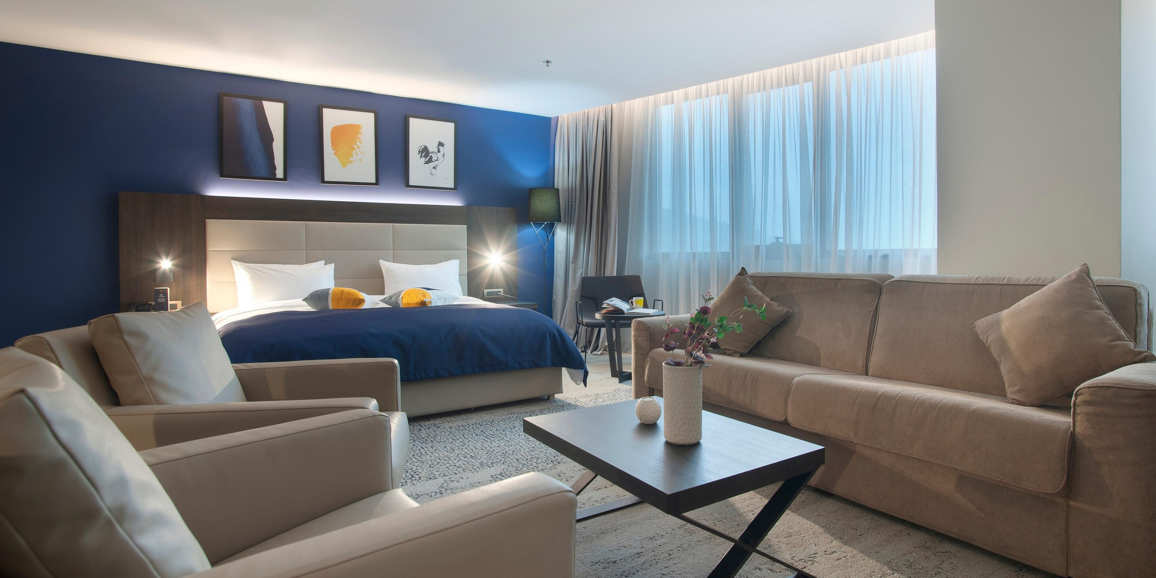 1 Bedroom Suite Sitting Area 2