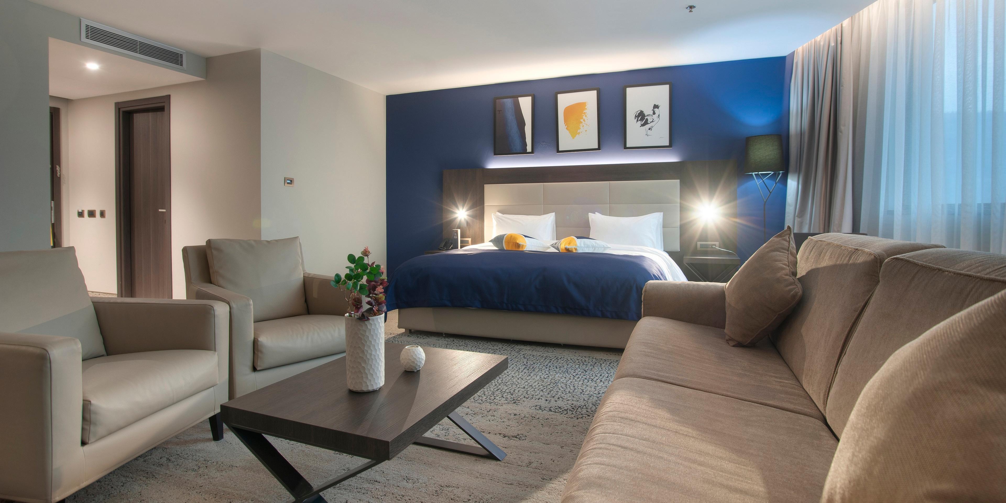 1 Bedroom Suite Sitting Area
