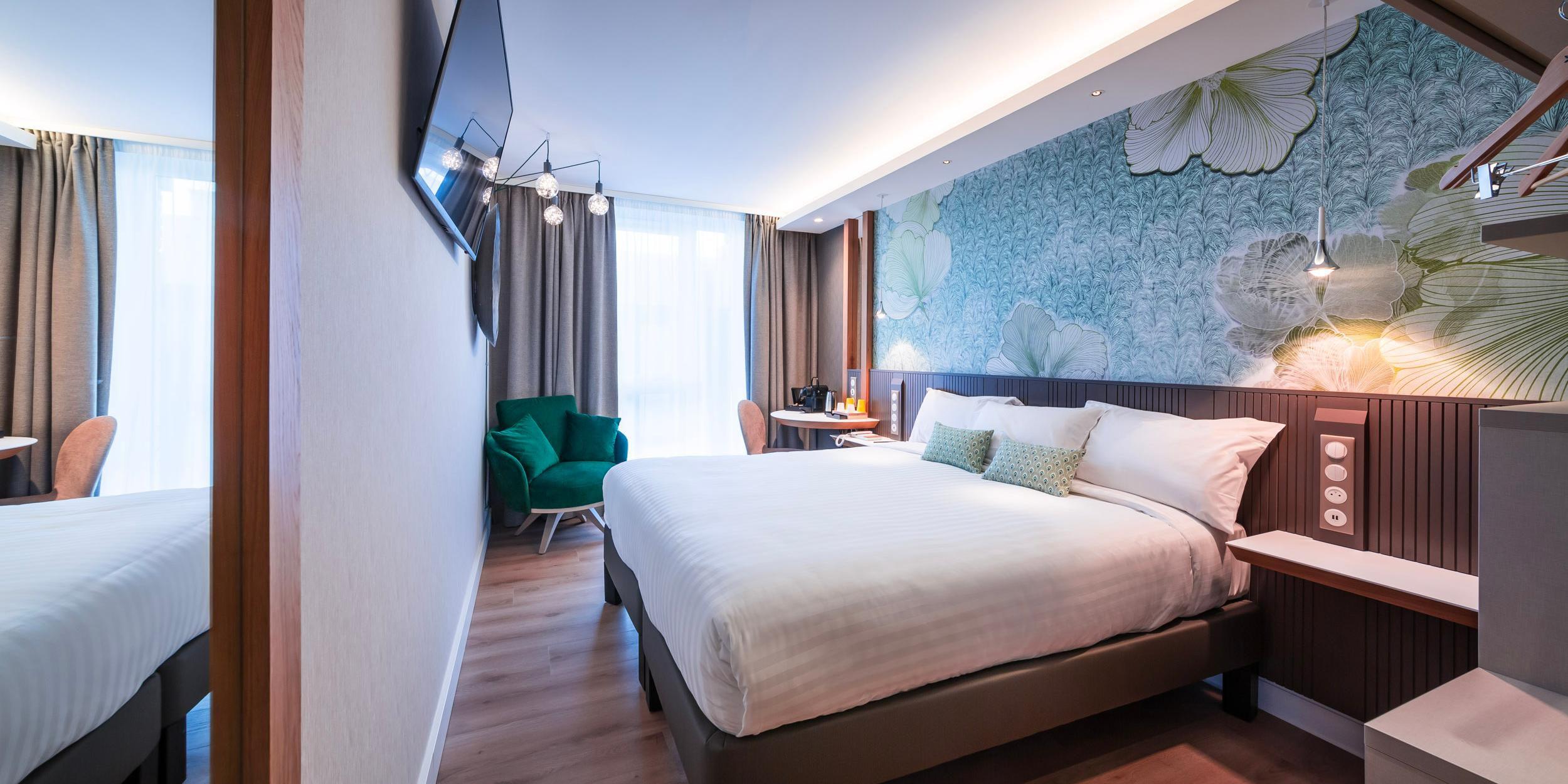 1 Queen bed Standard Room