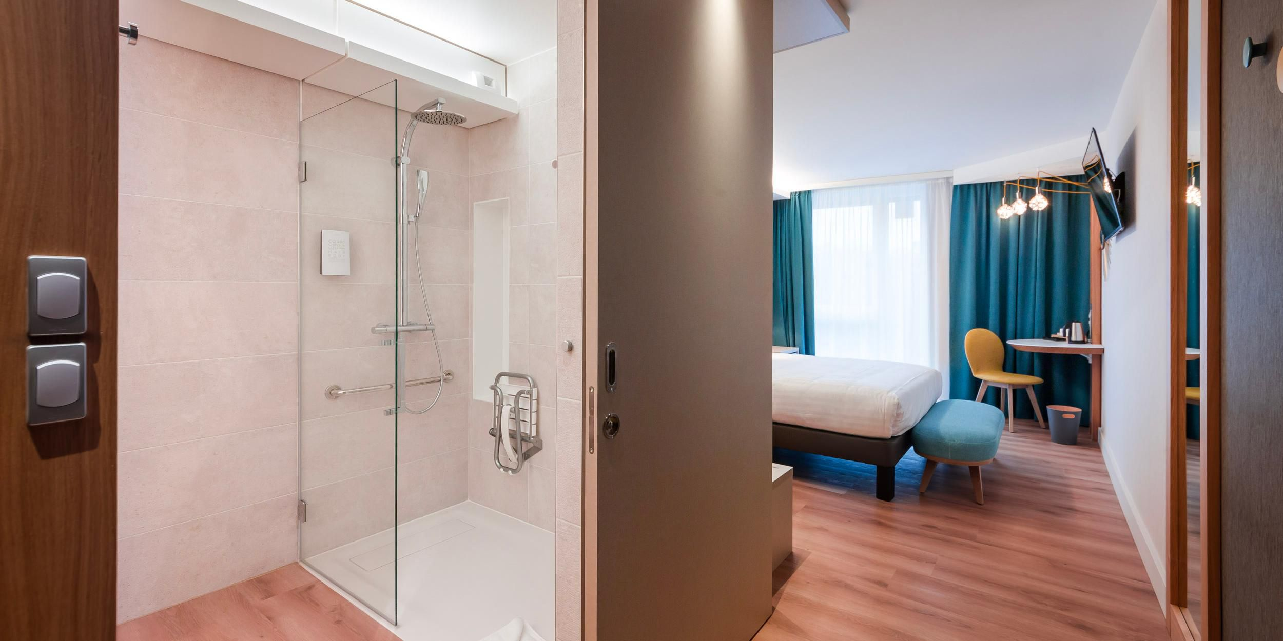 1 Queen Bed Accessible Roll in Shower