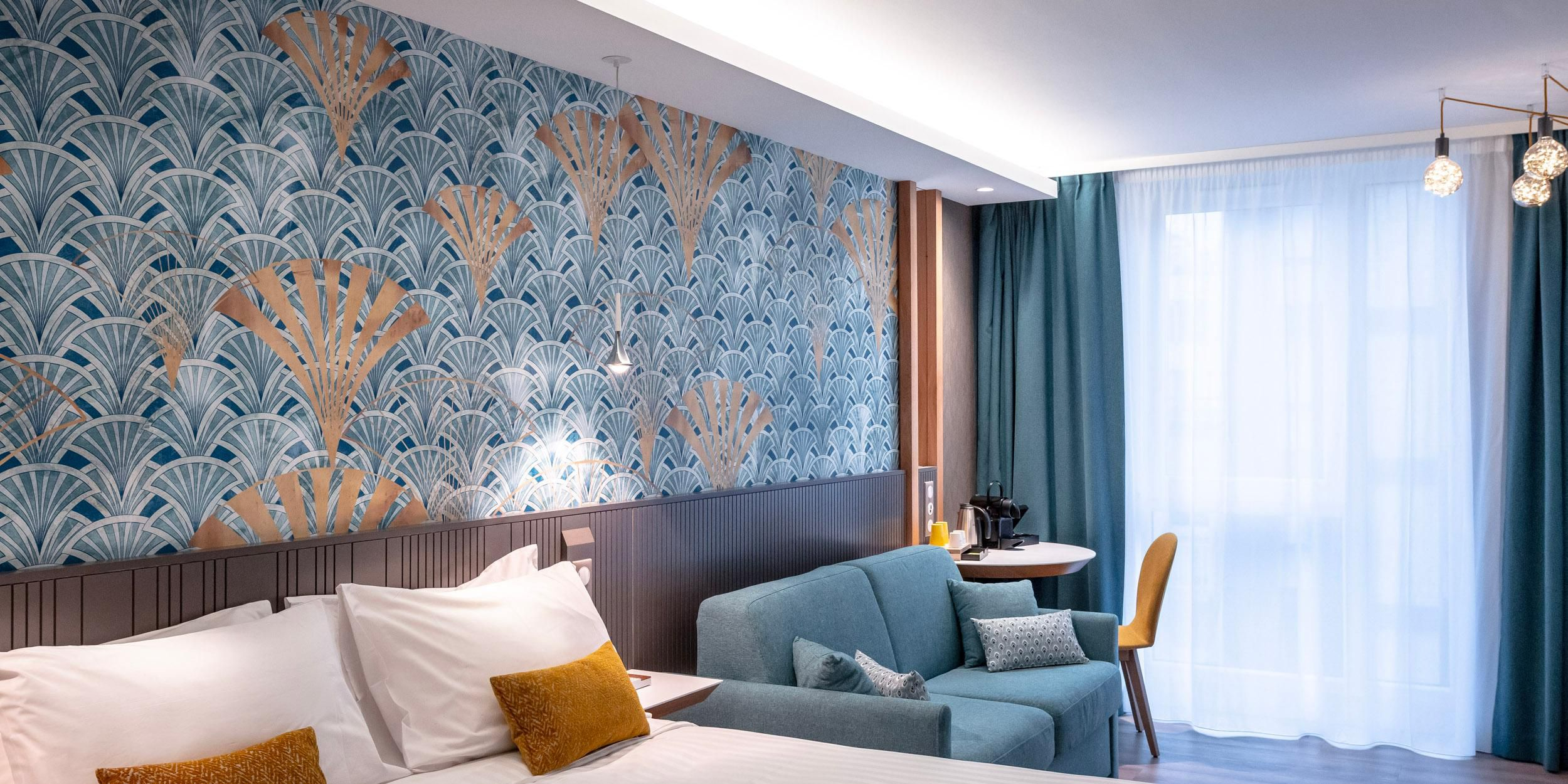 1 Queen Bed premium room with sofa Bed